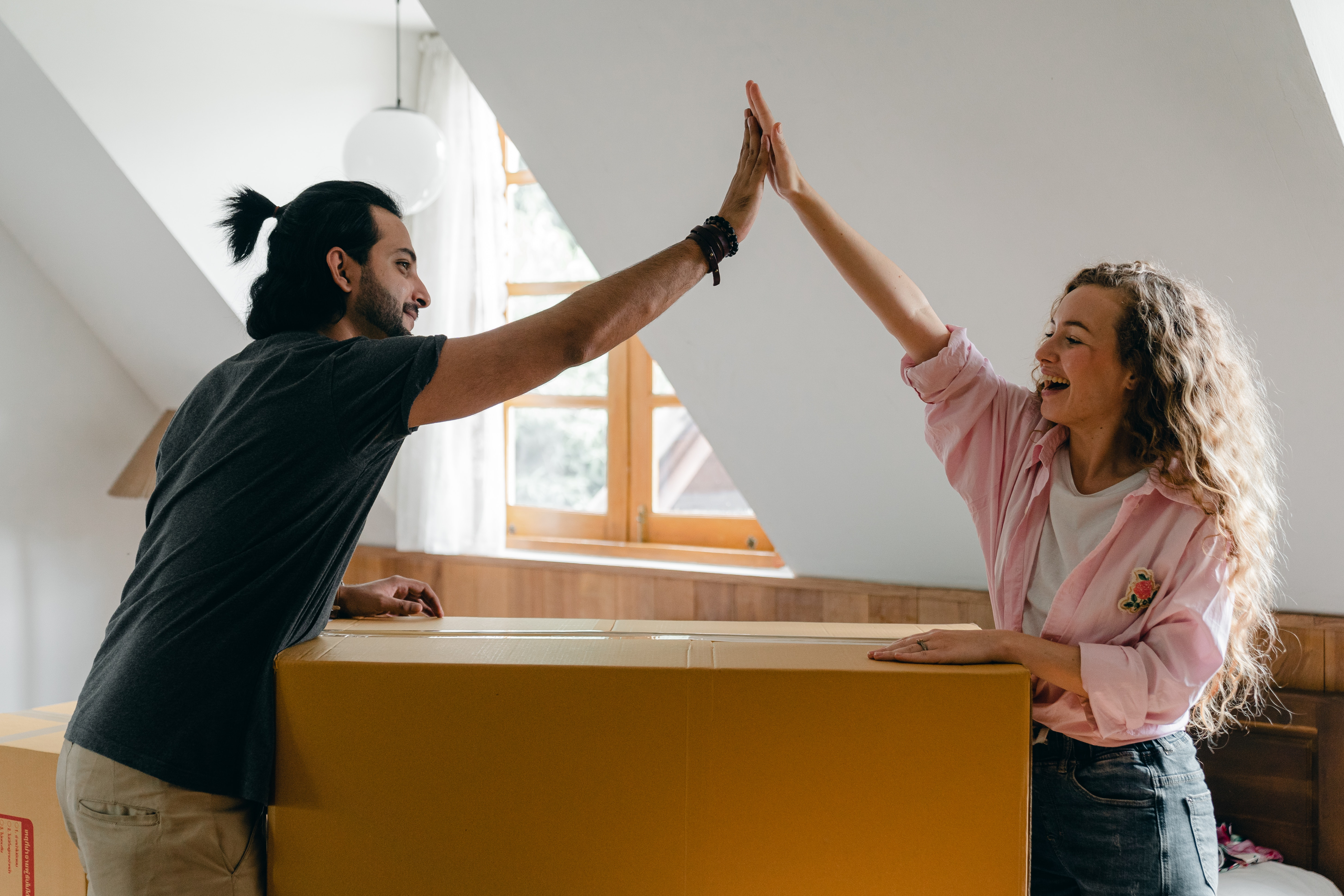 renters moving to a new apartment